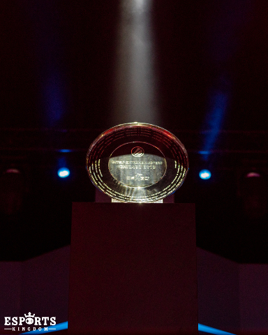 IEM Chicago trophy waiting for the winners of the Grand Final